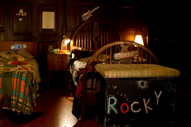 The set of the boys' dormitory.